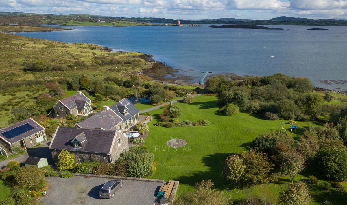 #8 West Cork Retreat: Cork (4 bedrooms)