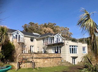 Hollywood-style Mansion - Killiney