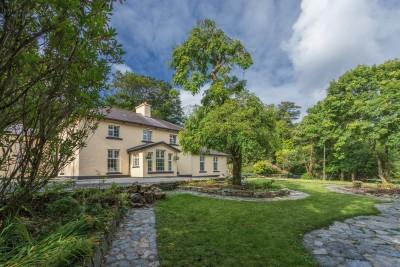 <p>Gracious Living at Diamond Lodge: A Connemara Jewel<span></span></p>