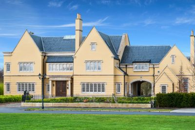 <p>Ireland's Top 10 Super-cribs<span></span></p>