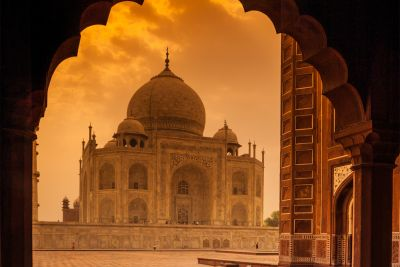 <p>Bollywood stars takeover Taj Mahal</p>