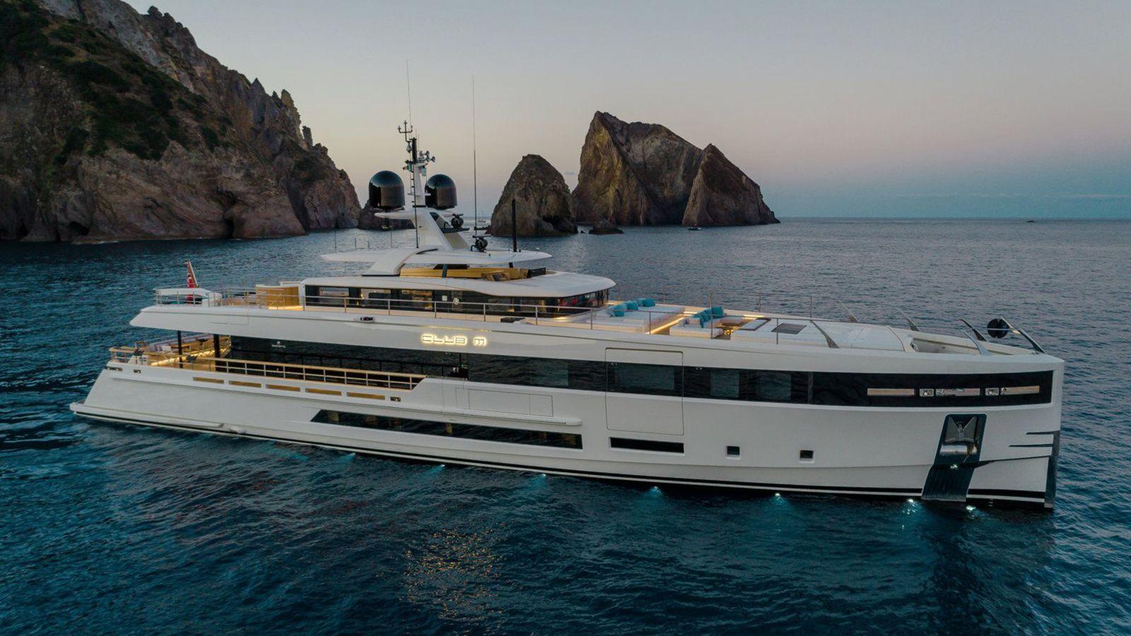 Club M  by Italian shipyard Baglietto