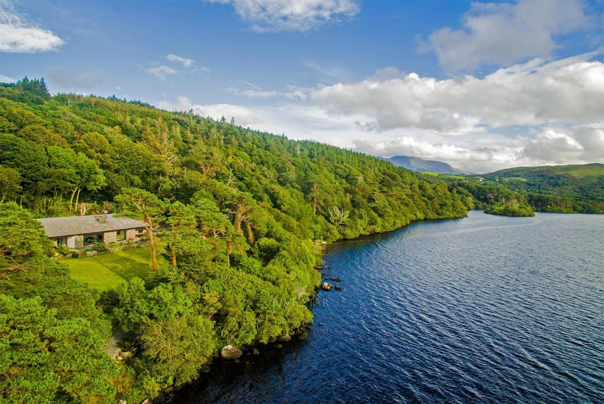#5 The Lake House: Overlooking Carragh Lake, Kerry (6 Bedrooms)