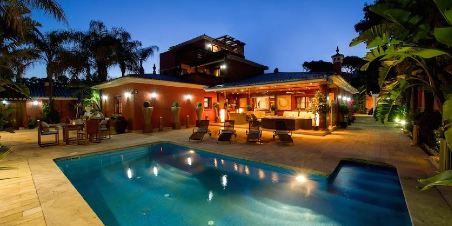 Exclusive Beachfront Villa Rental Marbella