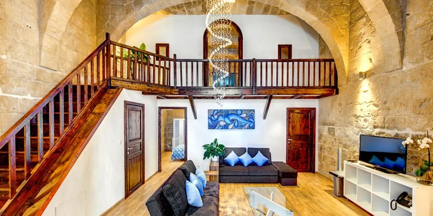 Waterfront Villa In Malta